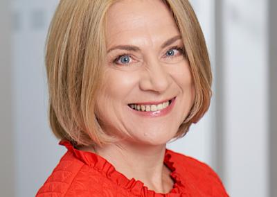 INGRĪDA RONE | Tet valdes locekle, personāla vadības dienesta direktore