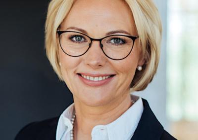 UNA PETRAUSKA | KPMG zvērinātu advokātu biroja vadošā partnere, zvērināta advokāte